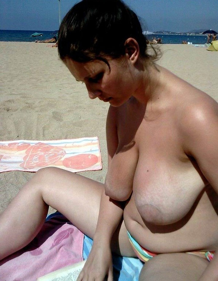 Mature floppy tits