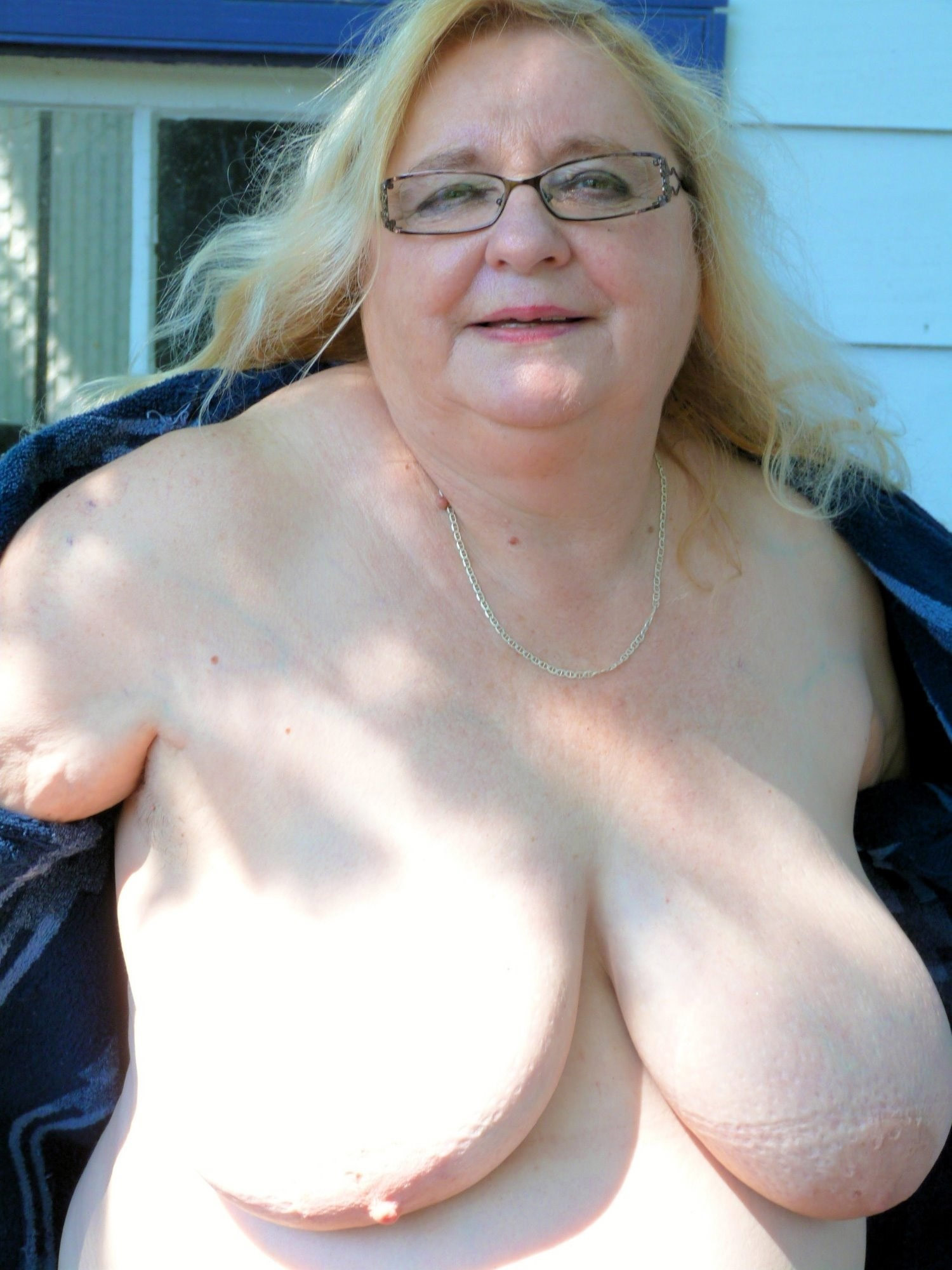 nude photo female